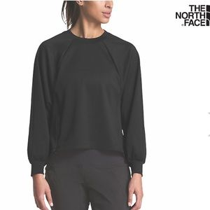 The North Face Beyond the Wall Pullover NWT